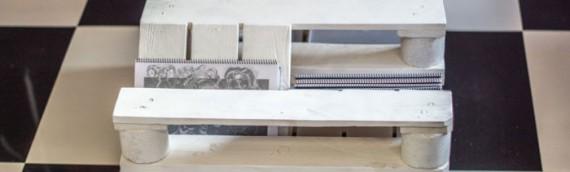 Mesa revistero hecha con palets de madera