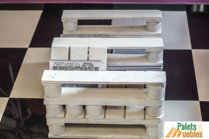Mesa revistero hecha con palets de madera palets y muebles - Muebles en palets de madera ...