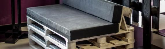 Sofá fabricado con palets de madera