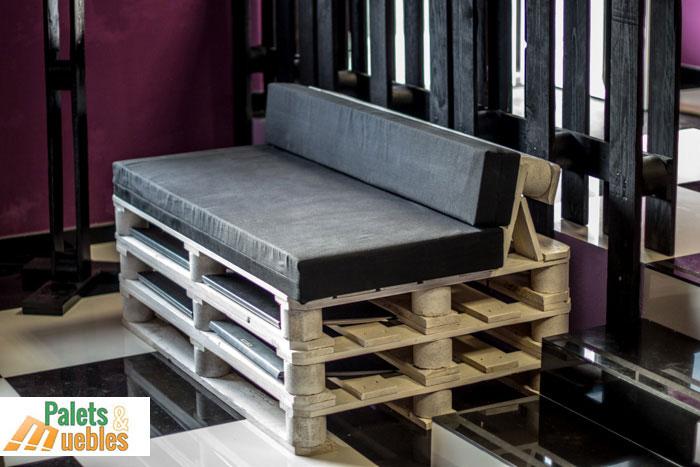 Sof fabricado con palets de madera palets y muebles for Sillones de palets para exterior