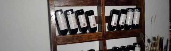 Botellero hecho con palets reciclados