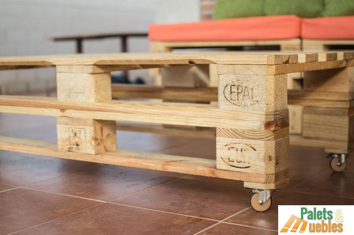 Mesa auxiliar hecho con palets santander palets y muebles for Mesa de centro de palet