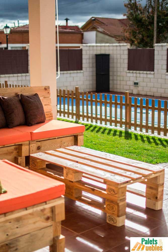 Mesa hecha con palets de madera bilbao palets y muebles for Madera para palets