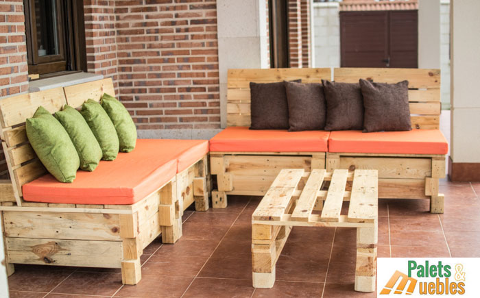 Sill n sof modular con palets palets y muebles - Hacer sofas con palets de madera ...