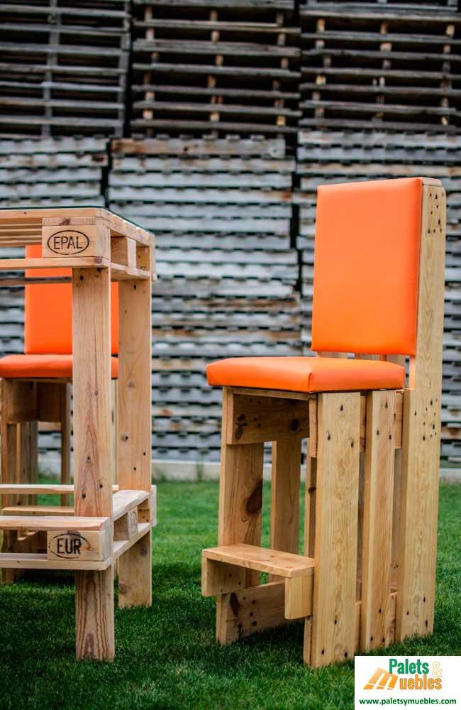 Silla hecha con palet palets y muebles - Sillas hechas con palets ...