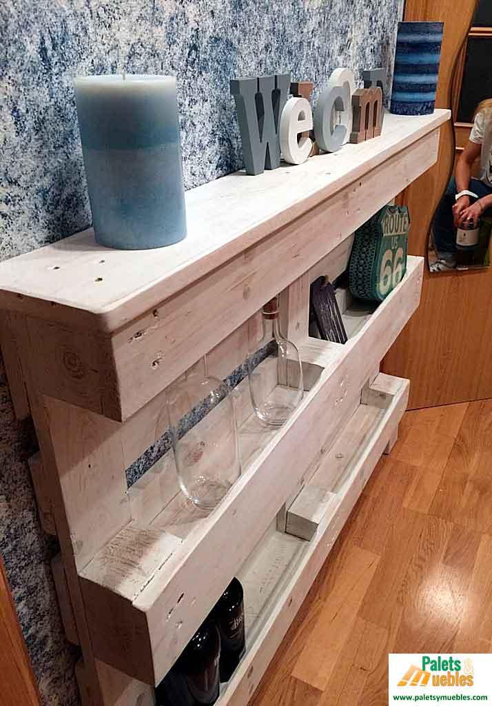 Recibidor con palets reciclados palets y muebles for Muebles de jardin con palets reciclados