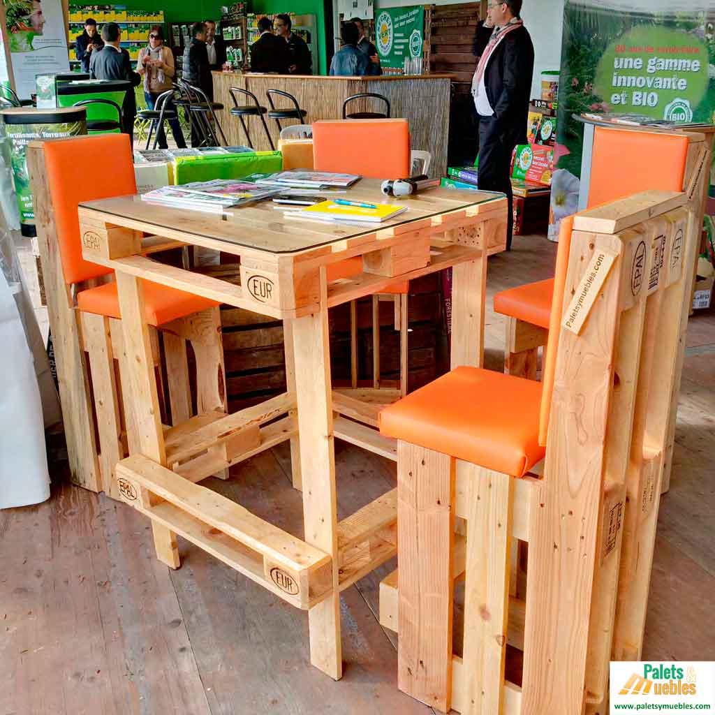 Mesa y sillas de palets europeos palets y muebles for Muebles mesas y sillas