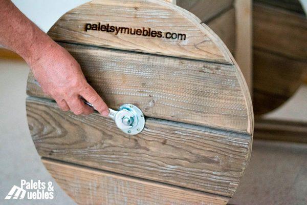 carrito para eventos con tablas de palets